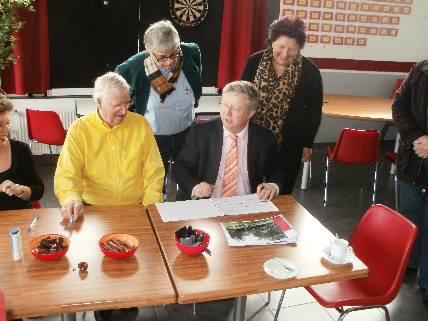 https://www.wijkraadnab.nl/cms/media/Fotoalbums/wijkcontract_2012/Herschaalde_kopie_van_P3090005.jpg