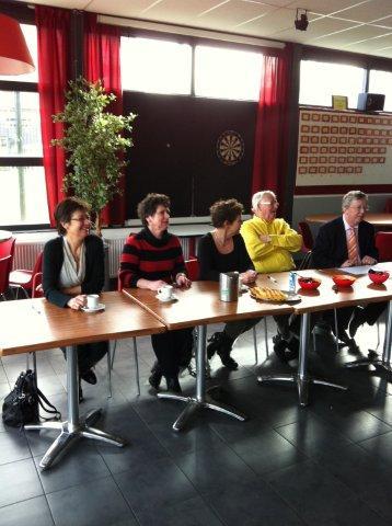 https://www.wijkraadnab.nl/cms/media/Fotoalbums/wijkcontract_2012/wijkcontract_Nieuwe_Amsterdamse_Buurt_08-03-2012_002.jpg