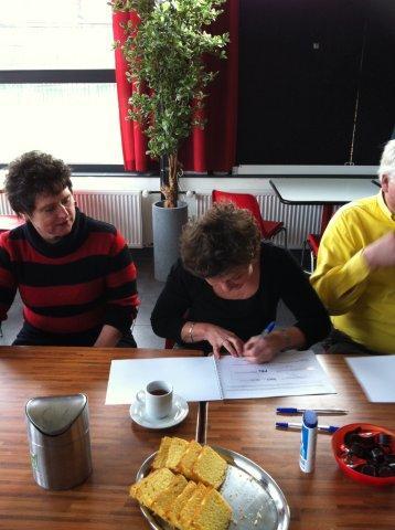 https://www.wijkraadnab.nl/cms/media/Fotoalbums/wijkcontract_2012/wijkcontract_Nieuwe_Amsterdamse_Buurt_08-03-2012_006.jpg
