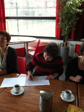 https://www.wijkraadnab.nl/cms/media/Fotoalbums/wijkcontract_2012/wijkcontract_Nieuwe_Amsterdamse_Buurt_08-03-2012_007.jpg